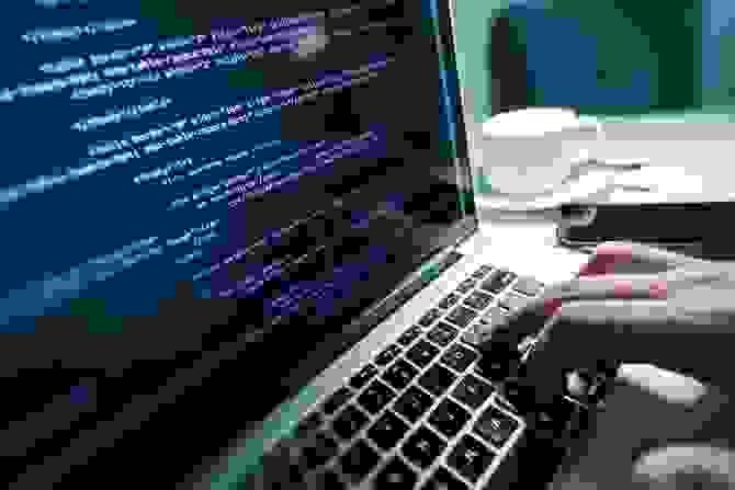 قامت شركة أبل ببناء نظام التشغيل ماك (macOS) باستخدام منصة يونيكس (Unix Platform)
