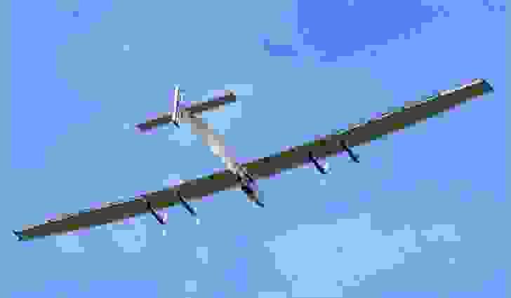 سويسرا هي البلد الوحيد في العالم الذي يُشغِّل طائراتٍ تعمل بالطاقة الشمسية