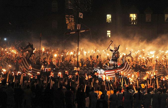 مهرجان أب هيلي في اسكتلندا