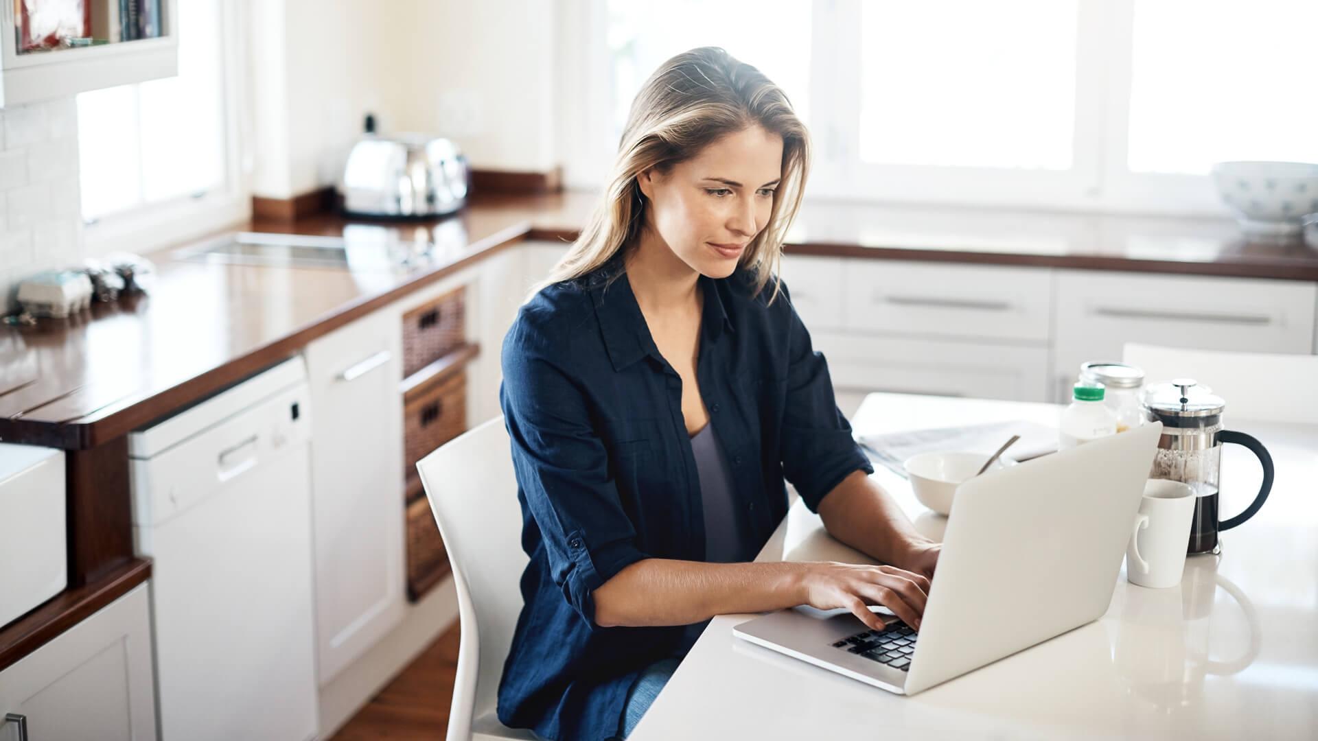 البحث عن معلوماتٍ حول الشركة والوظيفة