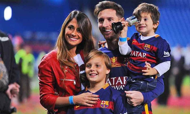 ميسي مع عائلته